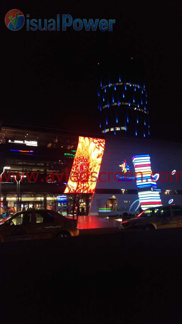 P40 LED media facade display (2)